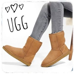 UGG Classic Short II Boot in Chestnut size…